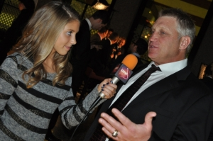 Hockey Hall of Famer Brett Hull shares starry advice with LSY! sports editor Hailey Rose Gattuso on the red carpet leading into the Hall of Fame inductions in Toronto.