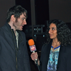 LSY! college reporter Narmeen Karzoun interviews Adam Young, whose life was transformed by his Owl City project. (Photo by Michelle Montana)