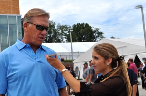 Hall of Fame quarterback John Elway from the Denver Broncos tells LSY! sports editor Hailey Rose Gattuso that he wouldn't change any mistakes he made.