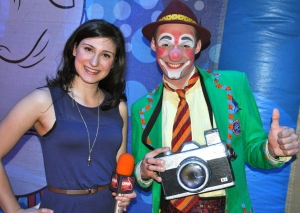 LindseyLauren Visser chatted up Ringling Brothers clown Matt about the circus life. (Photo by Tim O'Shei)