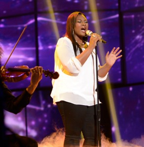 Candice Glover performs on American Idol. (Photo by Michael Becker/ FOX)